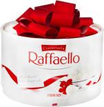 Конфеты Raffaello с цельным миндальным орехом в кокосовой обсыпке 200г